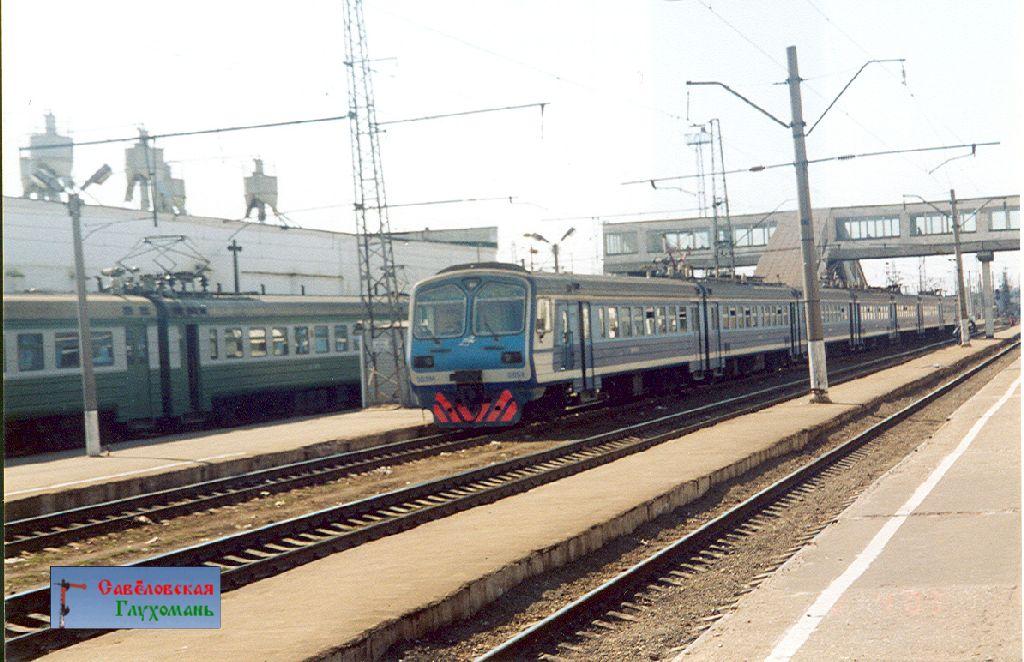 Электропоезда ЭР9 и ЭД9М на